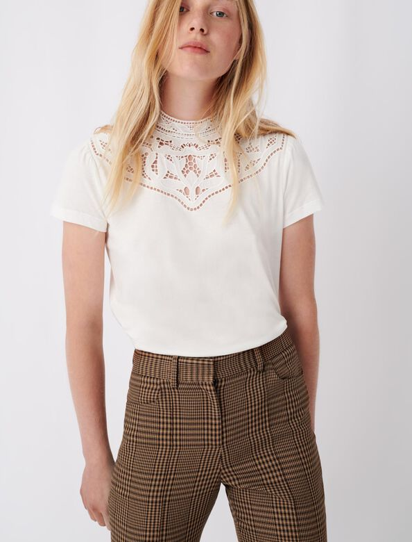 T-shirt with lace collar details : T-Shirts color Ecru