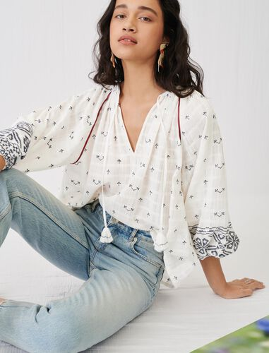 Fully embroidery blouse with low neck : Tops color Navy