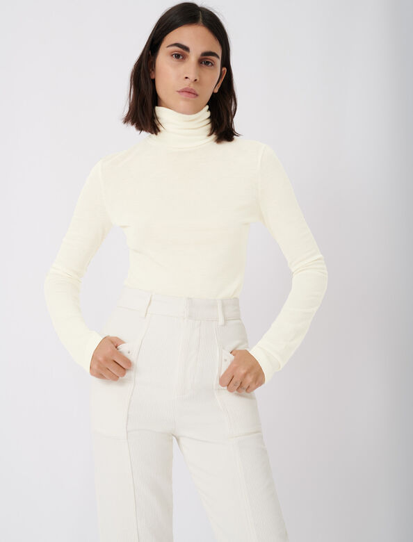 Tee shirt style under turtleneck sweater : Tops color Ecru