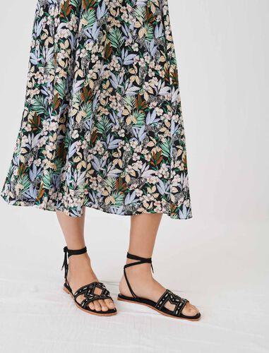 金属饰钉凉鞋 : 靴子及乐福鞋 顏色 焦糖色/CARAMEL