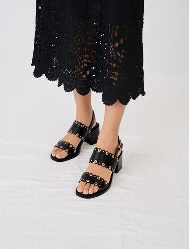 金属圆孔装饰高跟凉鞋 : 靴子及乐福鞋 顏色 黑色/BLACK