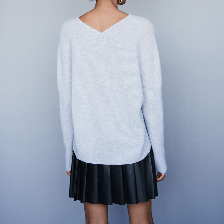 V-neck cashmere sweater : Cardigans & Sweaters color China Grey