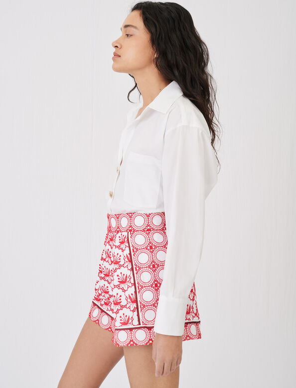 Wide-cut shorts with all-over embroidery : Shorts color Red