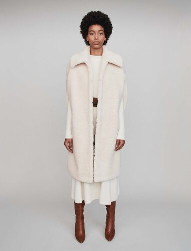 Faux fur cape coat : Overcoat color Ecru
