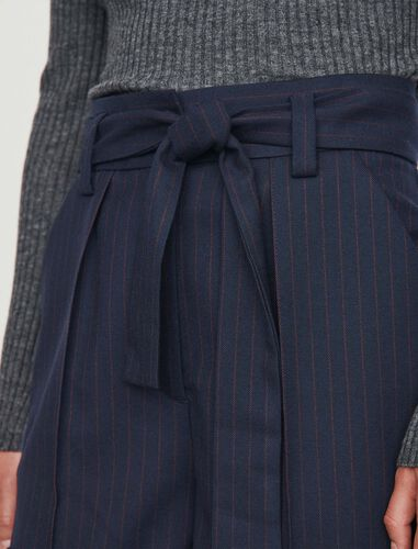 Belted shorts with tennis stripes : Shorts color Navy