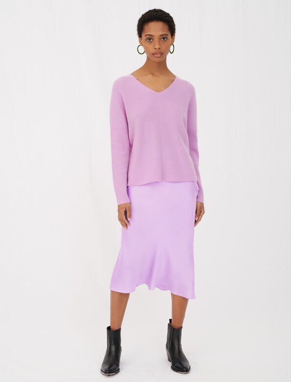V-neck cashmere sweater : View All color Parma Violet